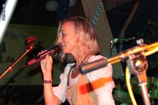 http://joy-livemusic.de/pixlie/cache/vs_2011-09-25%20Oktoberfest%20Neida_joy_010.jpg